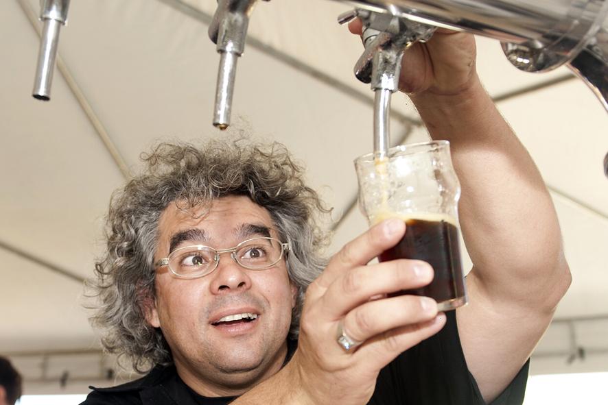 A Cervejaria Badebrown de Curitiba Pr convidou o cervejeiro americano Greg Koch da Stone Brewing CO. USA para a brassagem no evento do Beer Ranch. A cerveja Badbrown foi escolhida pela Cacau IPA.//Na foto Samuel Cavalcanti da Badenbrown// foto Denis Ferreira Netto.
